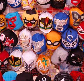 I Lucha Libre bär brottarna alltid underliga masker.