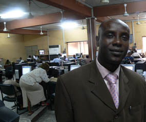 The Punchs chefredaktör Yusuf Alli Tajudeen.